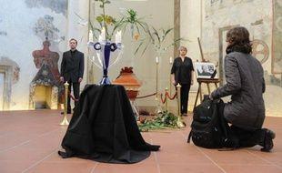 Le gouvernement tchèque a décrété lundi le deuil national de trois jours suite au décès de Vaclav Havel dont les funérailles sont prévues vendredi, alors que les Tchèques continuaient à rendre hommage à leur ancien président et icône de la lutte pour la liberté, décédé dimanche.