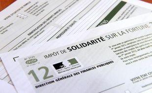 Photo prise d'un imprimé de déclaration de l'impôt de solidarité sur la fortune (ISF) pour l'année 2012, le 19 juillet 2012 à Rennes