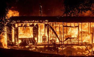 Le Kincade Fire, dans le comté de Sonoma, en Californie, avait brûlé plus de 4.000 hectares le 24 octobre 2019.