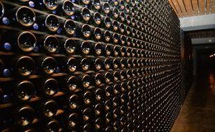 Des bouteilles de vin. (Illustration)