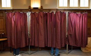 Paris le 17 juin 2012. Illustration dans les bureaux de vote a Paris. 8 eme arrondissement.