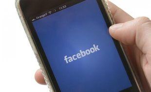 Application Facebook sur iPhone.