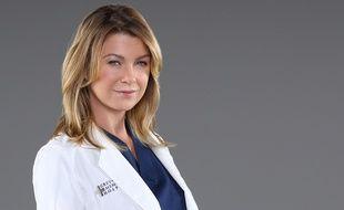 Ellen Pompeo est Meredith Grey dans la série Grey's Anatomy