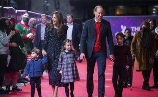 Le duc et la duchesse de Cambridge avec leurs trois enfants le 11 décembre 2020 à Londres.