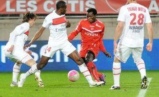 Le Paris SG, longtemps malmené par Valenciennes, s'est finalement imposé 4-3 dimanche pour repasser en tête de la Ligue 1.