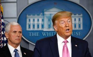 Donald Trump et Mike Pence lors de la conférence de presse du président depuis la Maison-Blanche le 26 février 2020.