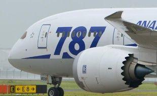Les dirigeants du groupe de transport aérien japonais ANA Holdings ont indiqué jeudi être en train de négocier avec l'avionneur américain Boeing des dédommagements pour le préjudice lié à l'interdiction d'exploiter les avions B787 durant quatre mois