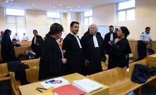 Arrivée des avocats à l'ouverture du procès de présumés dealers de La Castelane le 16 septembre 2015 à Marseille