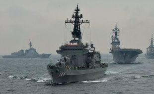 En pleine crise diplomatique avec la Chine, le nouveau gouvernement conservateur japonais a annoncé mardi qu'il prévoyait de consacrer rapidement 1,6 milliard d'euros au renforcement des équipements militaires dans le cadre d'une rallonge budgétaire destinée à doper l'économie.