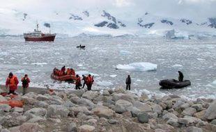 L'ampleur et la complexité des secours apportés au navire russe bloqué par les glaces en Antarctique pendant deux semaines soulignent les risques inhérents aux voyages touristiques dans ce continent aux conditions extrêmes, selon les experts.