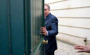 A Pau, ville où François Bayrou a fait l'essentiel de sa carrière politique, et où 14,5% des électeurs l'ont suivi au premier tour, des sympathisants du candidat du MoDem affirmaient vendredi être surpris, voire déçus par son choix personnel pour François Hollande, s'avouant encore indécis sur leur vote.