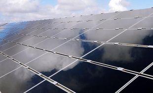 """Chaufferie à bois, panneaux solaires, cantine """"100% bio"""" et espaces verts sans pesticides: le village d'Ungersheim (Haut-Rhin), """"en transition"""" vers l'autonomie énergétique et alimentaire, fonctionne au quotidien comme un laboratoire de l'après-pétrole."""