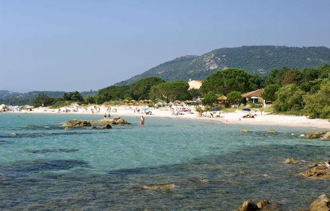 La plage de Pinarello en Corse.