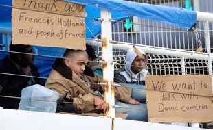 Des réfugiés syriens avaient engagé en octobre 2013 une grève de la faim après être restés bloqués plusieurs semaines dans le port de Calais et demandaient à dialoguer avec les autorités britanniques.