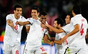 Les footballeurs égyptiens fêtant leur victoire face à l'Italie lors de la coupe des Confédérations, le 18 juin 2009.