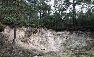 Clairefontaine-en-Yvelines. Michel Fourniret est soupçonné d'avoir dissimulé le corps de certaines de ses victimes dans cette carrière de sable.