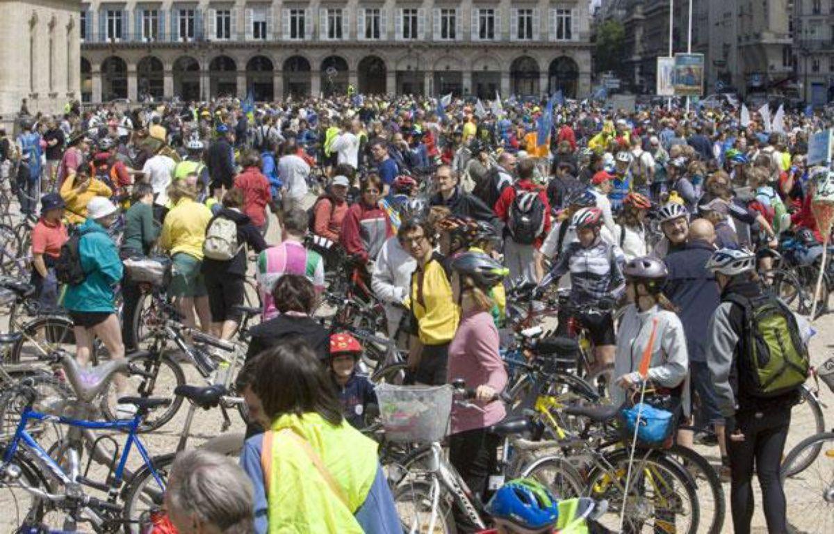 Grand rassemblement de cyclistes à Paris à l'occasion de la 13e édition de la Fête du vélo en 2009. – VALINCO/SIPA