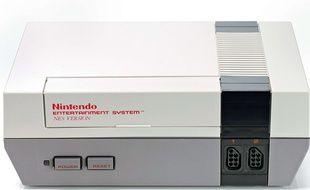 Une console de jeu Nintendo Nes.