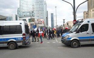En Pologne, des manifestations ont eu lieu pour protester contre les restrictions liées au covid-19.
