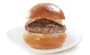 Le burger au chevreuil de l'enseigne japonaise Becker's.
