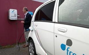 A Entzheim au sud de Strasbourg, l'entreprise Freshmile, rencontrée en novembre 2017, conçoit des bornes de recharge de voitures électriques.