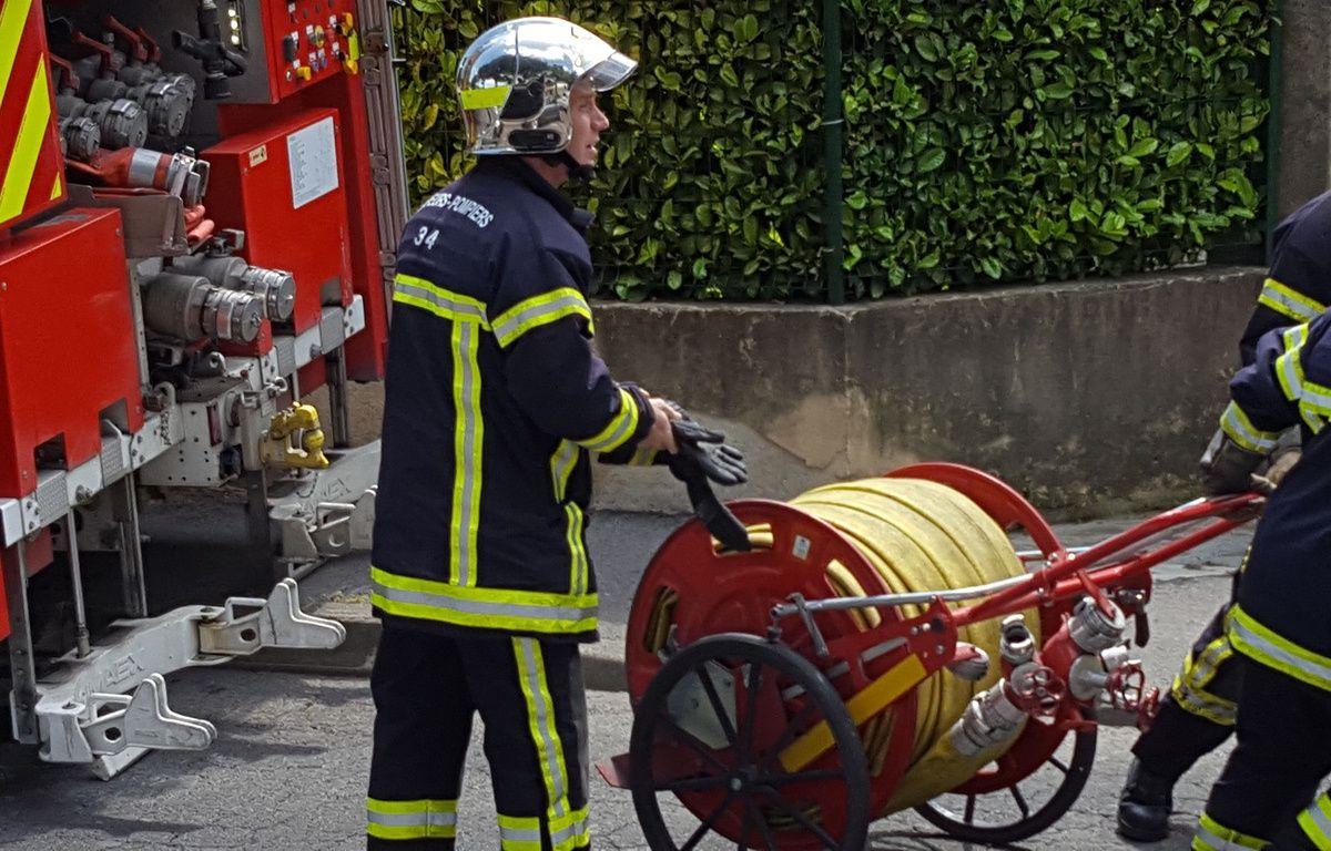 Illustration des pompiers intervenant lors d'un incendie. – Jérôme Diesnis / Agence Maxele Presse