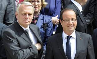 Une nette majorité (60%, +1 point) de Français se disent satisfaits de l'action du président François Hollande, tandis que 59% (+4 points) le sont de l'action du Premier ministre Jean-Marc Ayrault, selon un sondage d'OpinionWay pour Métro paru dimanche.