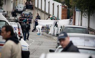 Le 19 mars 2012 au matin devant le collège Juif Ozar Hatorah, à Toulouse