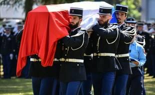 Les honneurs militaires rendus à la majore Mélanie Lemée, le 9 juillet 2020, à Mérigna.
