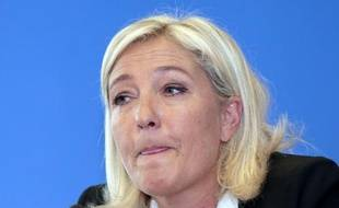 """La présidente du FN Marine Le Pen s'est opposée lundi sur RTL à tout impôt supplémentaire sur les retraités pour améliorer les comptes de la Sécurité sociale, estimant qu'""""il y a des centaines"""" d'autres """"économies à faire""""."""