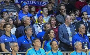 Claude Onesta dans les tribunes du Hall XXL de Nantes, lors de France-Russie en phase de poule du Mondial de handball, le 17 janvier 2017.