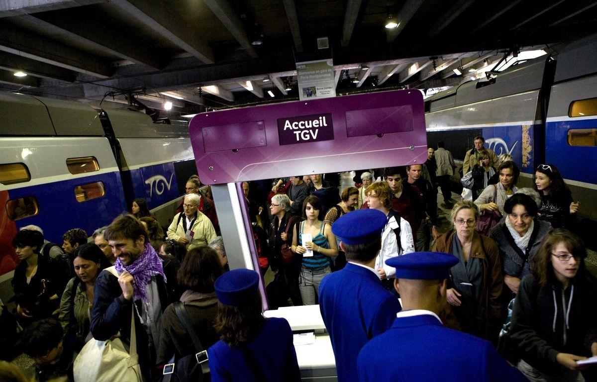 La plateforme web Misterfox, qui se lance ce jeudi 21 avril, propose aux usagers du train victimes de retard, de demander l'indemnisation en un clic. – REVELLI-BEAUMONT/SIPA