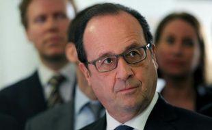 Le président François Hollande à Chartres, le 21 avril 2016