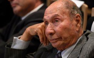 L'industriel et sénateur Serge Dassault, ici à Paris le 29 septembre 2015, est jugé pour la première fois à l'issue d'une enquête sur son patrimoine ouverte en novembre 2014