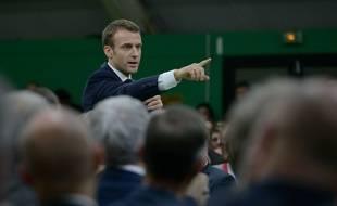 Emmanuel Macron montre aux maires dans quelle direction va le pays.
