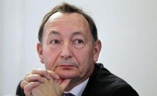 """Le procès des prothèses mammaires frauduleuses PIP a de nouveau tourné mardi à Marseille autour de la question des contrôles, un responsable de l'Afssaps évoquant les """"limites"""" de la réglementation et aussi un défaut de signalement de la part des chirurgiens."""