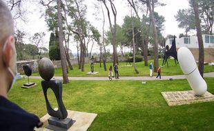Environ 70sculptures signées des plus grands noms de l'art moderne sont à découvrir dans les jardins de la Fondation Maeght