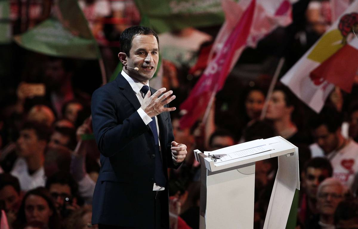 Benoît Hamon, lors de son meeting du 19 mars 2017 à Paris-Bercy. – : Kamil Zihnioglu/AP/SIPA