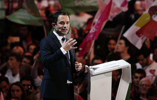 Benoît Hamon, lors de son meeting du 19 mars 2017 à Paris-Bercy.