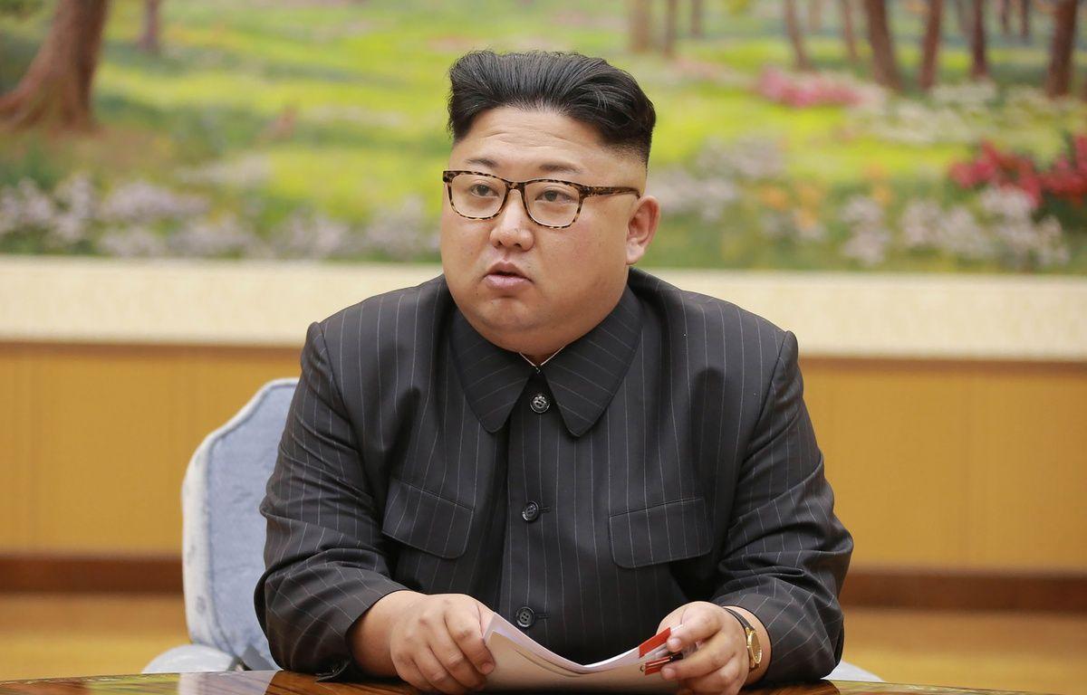 Kim Jong-Un, dirigeant de la Corée du Nord, participe à une réunion le 3 septembre 2017.  – STR / KCNA VIA KNS / AFP