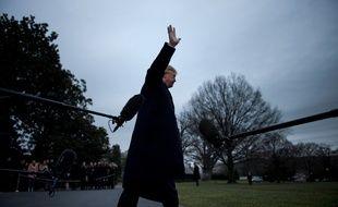 Donald Trump le 15 décembre 2017 dans les jardins de la Maison Blanche.