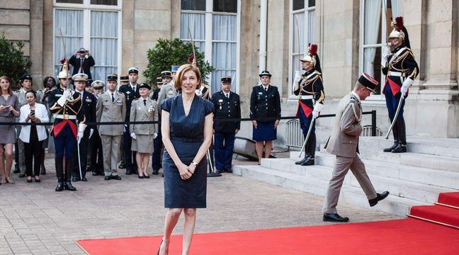 Sur twitter la nouvelle ministre de la d fense de macron for Ministre de defense