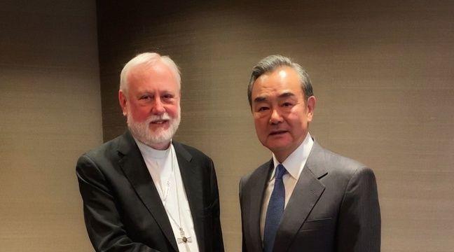 Rencontre historique entre des ministres de Chine et du Vatican