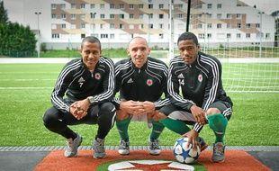 Les joueurs du Red Star (de gauche à droite), Steve Marlet, Samuel Allegro et Vincent Doukantie, lors d'un entraînement à Saint-Ouen, le 12 septembre 2011.