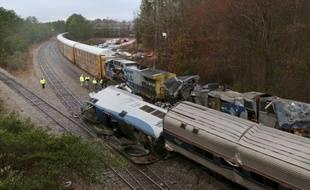 Au moins deux personnes sont mortes et 70 ont été blessées dimanche dans une collision entre deux trains en Caroline du Sud (Etats-Unis).