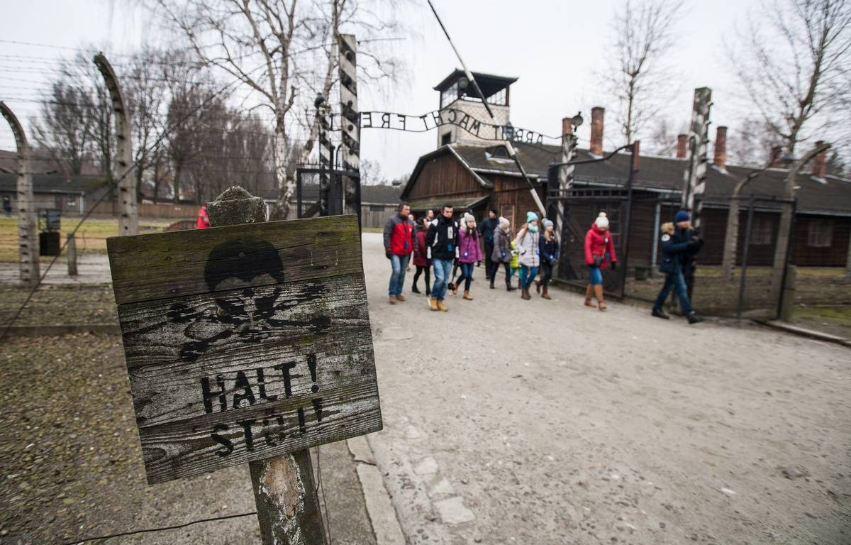 Des lycées visitent le camp d'Auschwitz, le 20.01.2015. – Jan Graczynski/SIPA