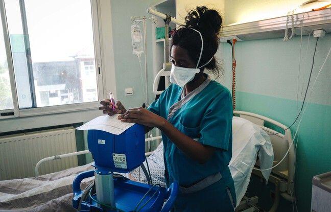 Nodinne Silva, aide-soignante à l'hôpital intercmmunal de Créteil a rejoint la médecine interne à l'automne 2020.