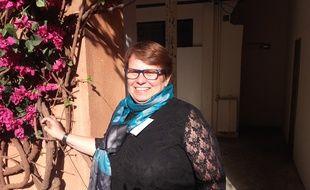 Isabelle May, atteinte de la maladie de Parkinson, a été diagnostiquée à 48 ans. Depuis, elle milite à l'association France Parkison pour lutter contre les préjugés.
