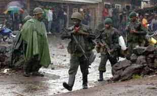 L'offensive conjointe et inédite des armées rwandaise et congolaise se poursuivait jeudi pour la troisième journée en République démocratique du Congo (RDC) contre les rebelles hutu rwandais, enlevant au passage des positions tenues par la rébellion congolaise.