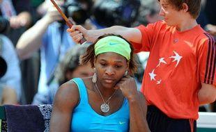 L'Américaine Serena Williams après sa défaite en quart de finale de Roland-Garros face à l'Australienne Samantha Stosur, le 2 juin 2010.